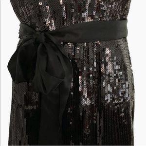 Maggy London Dresses - Maggy London black sequin party dress